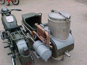Le GAZOGENE et la voiture des français de 39 à 45 - Page 2 Ural_g11