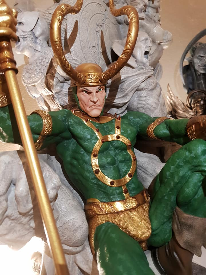 Statues et customs - Page 6 Loki_p10