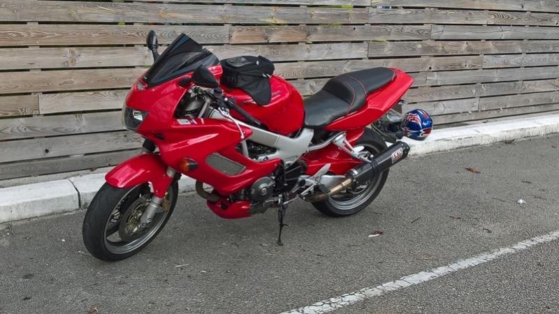 Ma nouvelle moto... VTR1000F Wp_20112