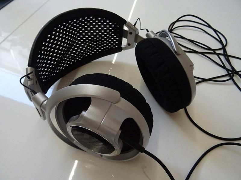 ***Ribasso x intero lotto*** Vendo cuffie - anche in blocco Sony, AKG, Musical Fidelity ecc. (PU) Dsc00814