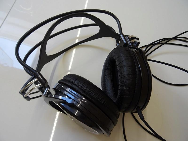 ***Ribasso x intero lotto*** Vendo cuffie - anche in blocco Sony, AKG, Musical Fidelity ecc. (PU) Dsc00817