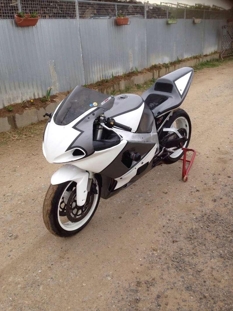 Présentez nous vos motos ! - Page 28 30595311