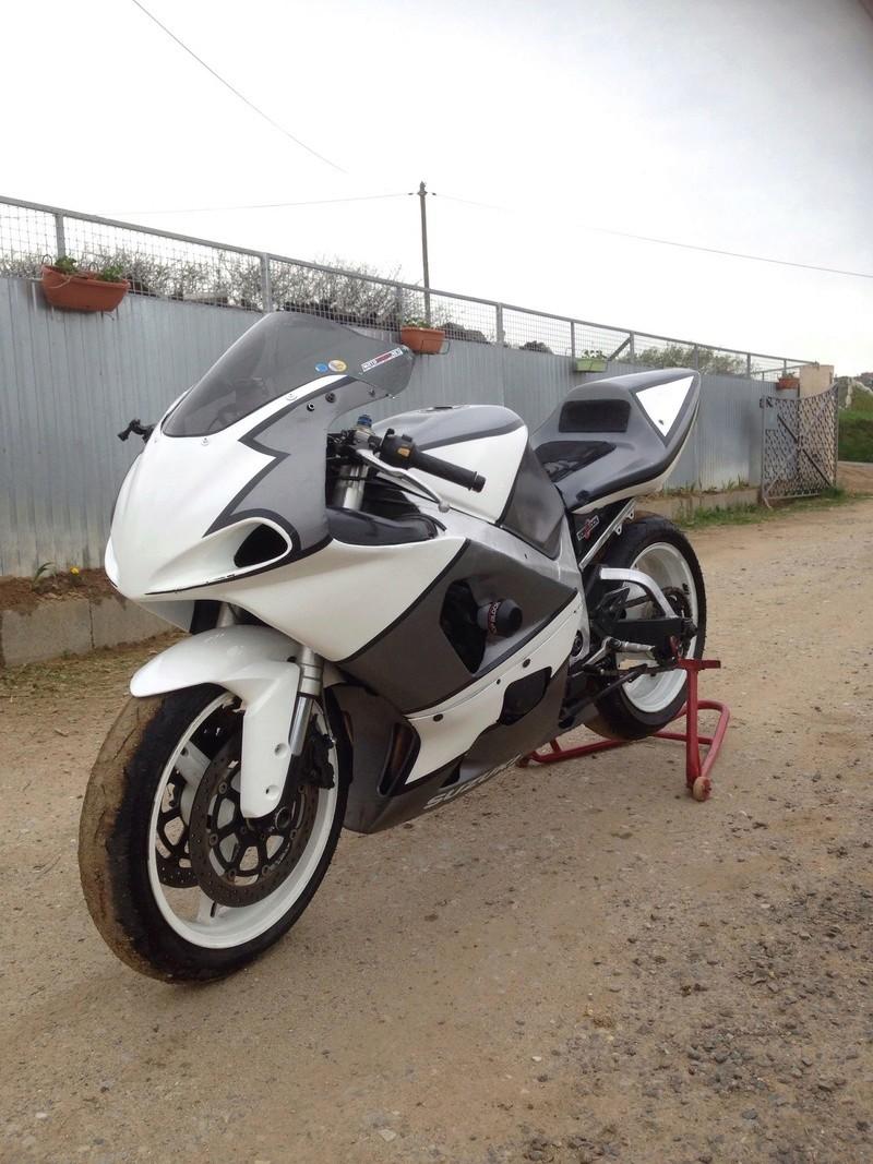 Présentez nous vos motos ! - Page 28 30688910