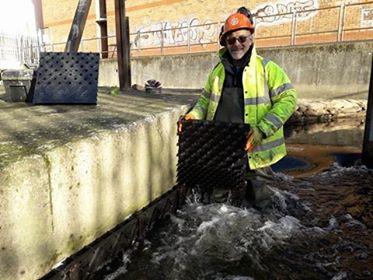 Wandle Trust - eel pass installation - call for volunteers Wandle10