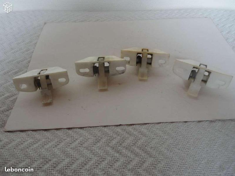 Vente de pièces détachées exclusivement de R15 R17 - Page 2 E8f1a711
