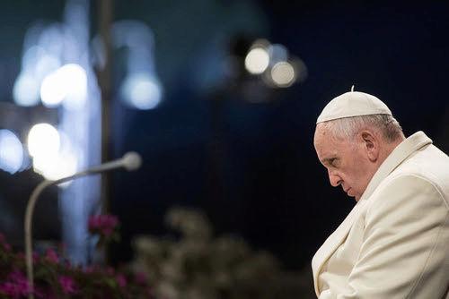 """Très important LIVE en WebCast : """"Plan du Pape François pour changer l'Église Catholique !"""" Sans-t15"""