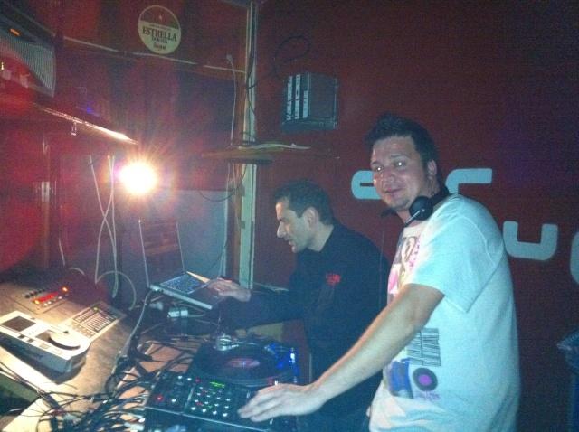 DJ FRANK Y STRAGOS EN ESCATRON 26-3-11 Img_0210