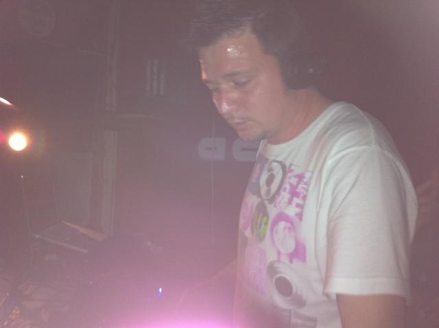 DJ FRANK Y STRAGOS EN ESCATRON 26-3-11 Img_0211