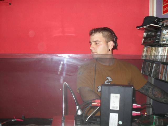 DJ.CARLITOS. PUB SON. DIA 19-3-11 Sam_1410