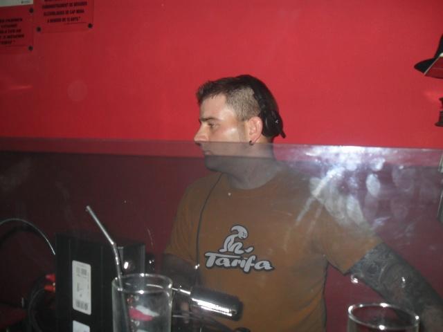 DJ.CARLITOS. PUB SON. DIA 19-3-11 Sam_1411