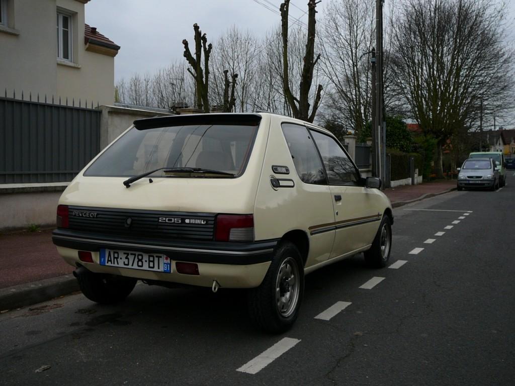 [Vendu] Peugeot 205 Indiana. P1010643