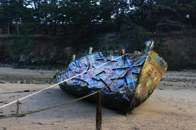 Fin de vie .... Cimetières de bateaux .... - Page 10 Epave_11