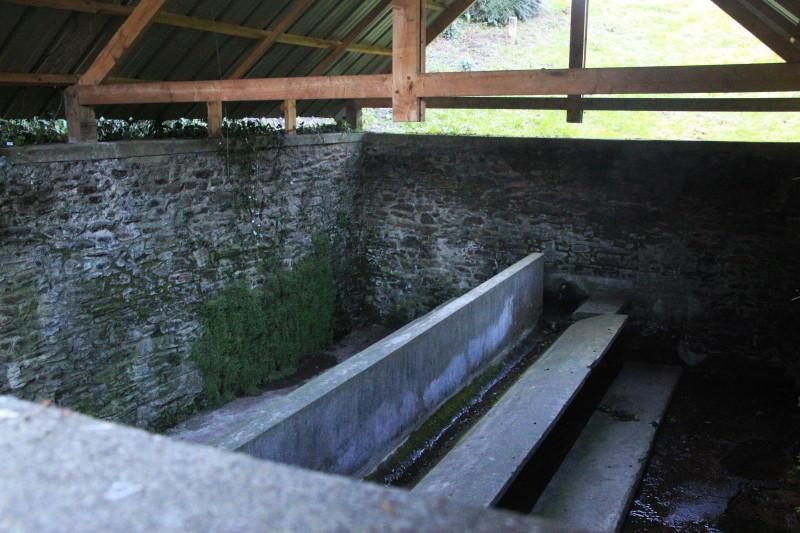 Des lavoirs, fontaines, bassins... Lavoir13