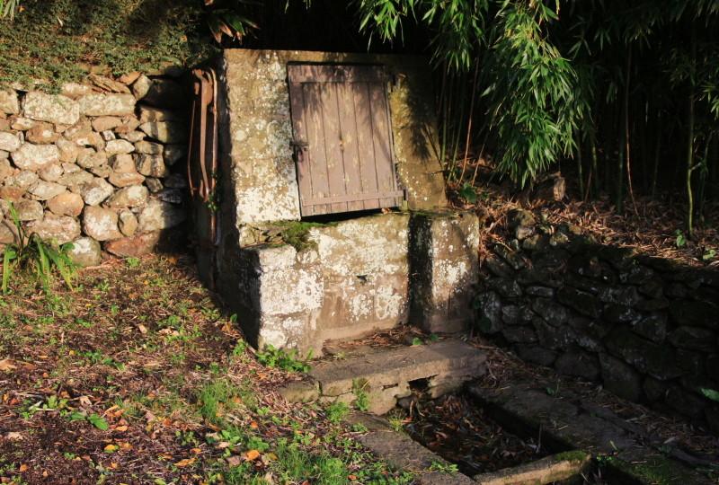 Des lavoirs, fontaines, bassins... Lavoir24