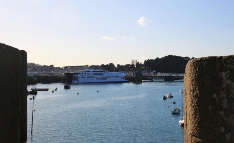 Navires de dessertes ou à passagers, bretons Saint_21