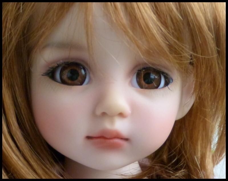 Liselotte, BJD Effner yeux verts P3 et  nouveaux bleus  P1590023