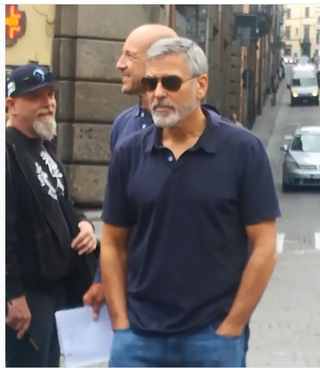 George Clooney's Open House Fan Site - Clooney news Captur15