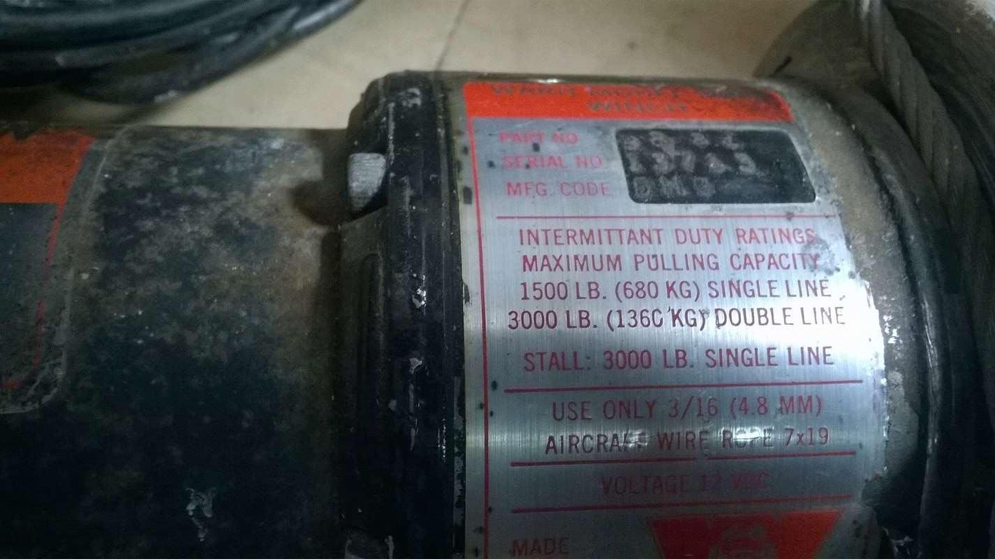 Coup de main - Electricité Treuil 12 Volts Wp_20111
