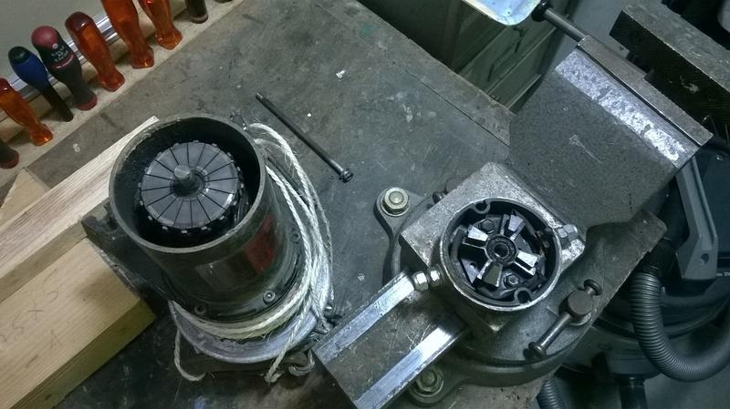 Coup de main - Electricité Treuil 12 Volts Wp_20113