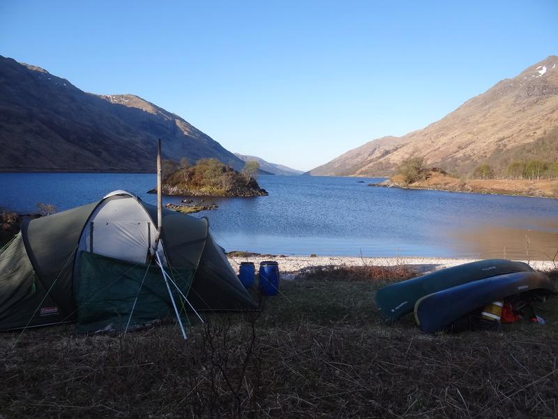Un poêle dans une tente... Dsc05410