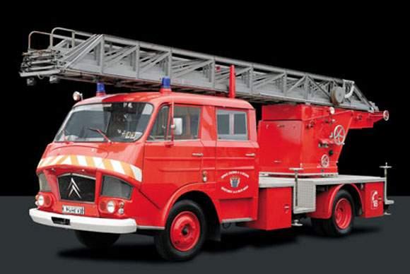 """2011 - Hachette Collections > """"Camions et véhicules de Sapeurs Pompiers au 1/43"""" >> 2014 - Page 2 11720510"""