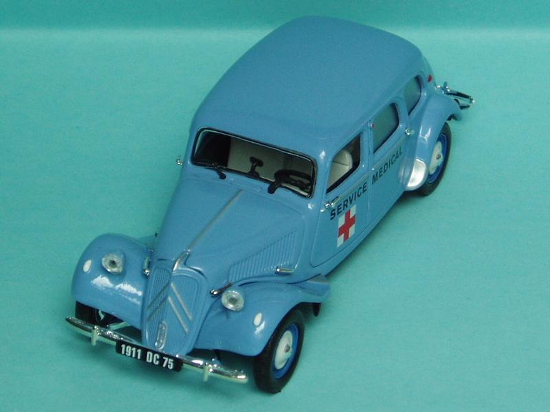 """Citroën miniatures > """"Ambulances, transports de blessés et assistance d'urgence aux victimes"""" 1954_110"""