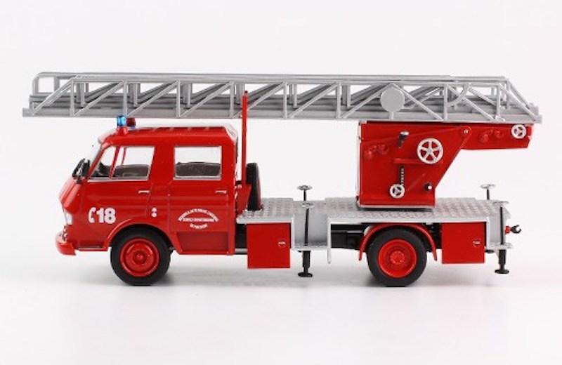 """2011 - Hachette Collections > """"Camions et véhicules de Sapeurs Pompiers au 1/43"""" >> 2014 - Page 2 6frtf010"""