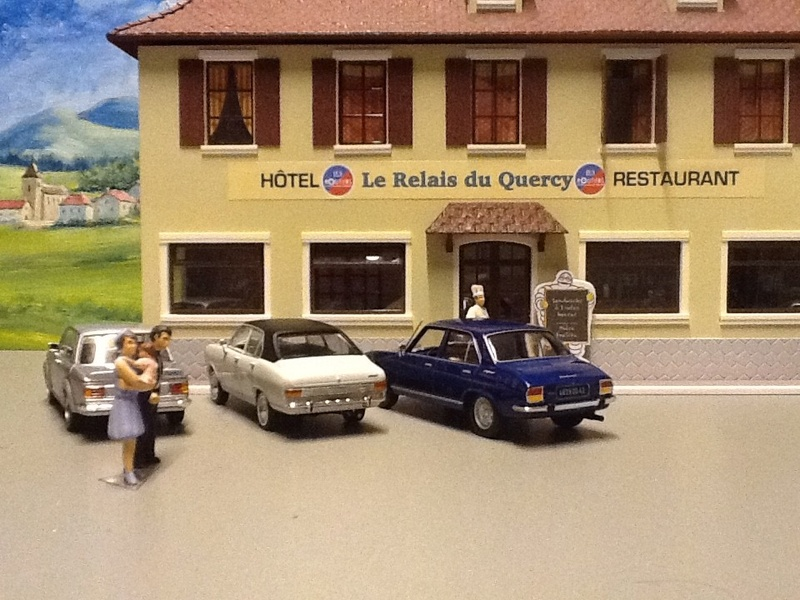 Hervé WAGUET Garages et bâtiments divers miniatures au 1/43 Big-7021