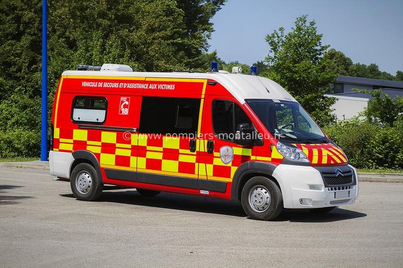 """Citroën miniatures > """"Ambulances, transports de blessés et assistance d'urgence aux victimes"""" Vyhicu10"""