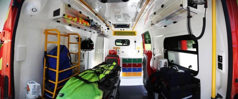 """Citroën miniatures > """"Ambulances, transports de blessés et assistance d'urgence aux victimes"""" Vyhicu11"""
