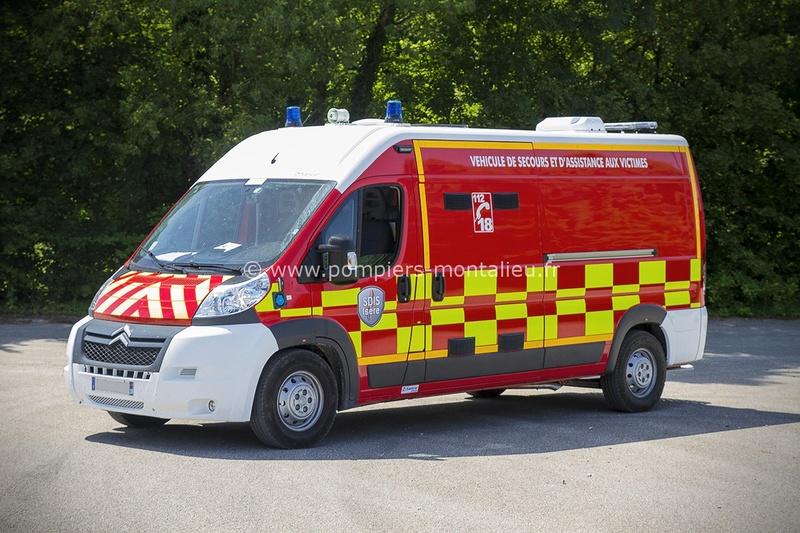 """Citroën miniatures > """"Ambulances, transports de blessés et assistance d'urgence aux victimes"""" Vyhicu12"""