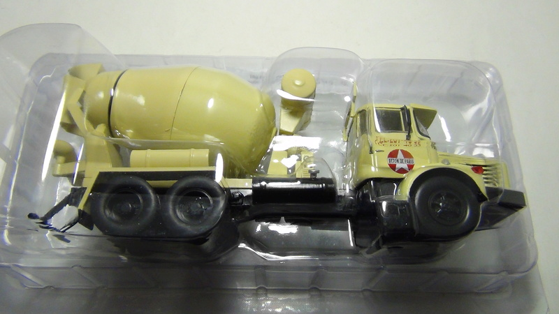 N°05 - Berliet PMH12 6X4 porte malaxeur   05_ber12
