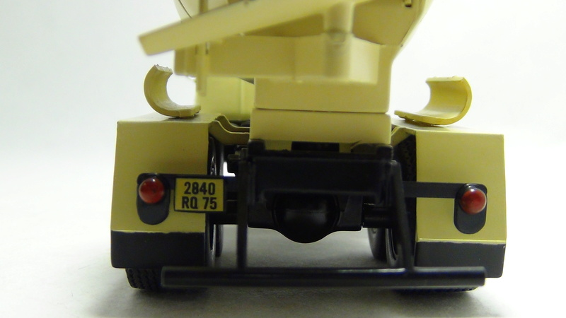 N°05 - Berliet PMH12 6X4 porte malaxeur   05_ber18