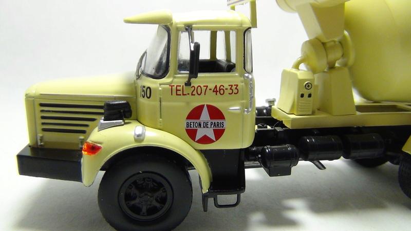 N°05 - Berliet PMH12 6X4 porte malaxeur   05_ber19