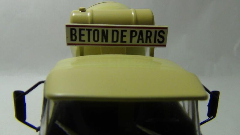 N°05 - Berliet PMH12 6X4 porte malaxeur   05_ber24