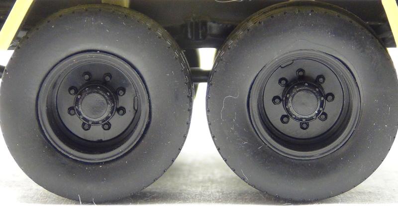N°05 - Berliet PMH12 6X4 porte malaxeur   05_ber27