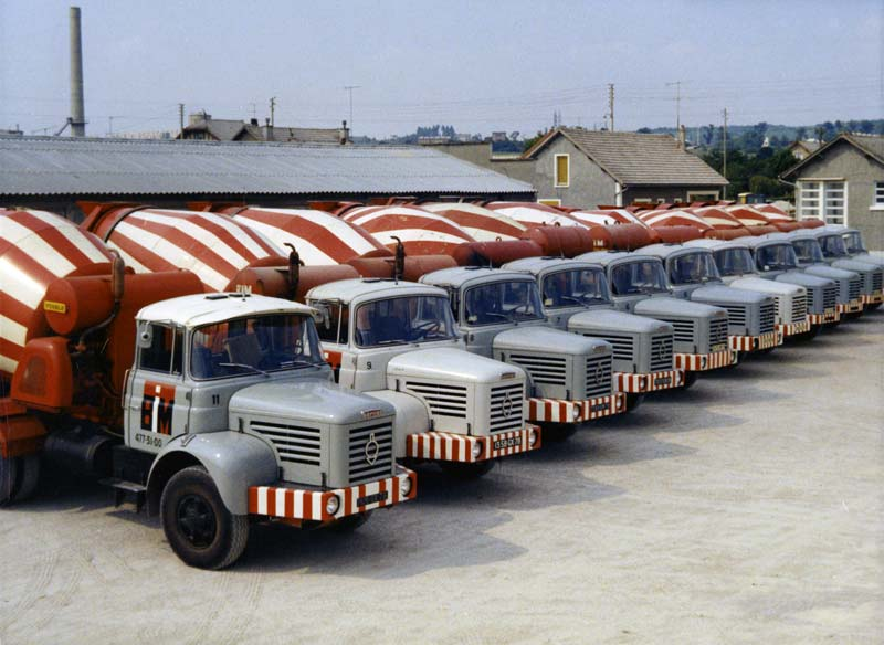 N°05 - Berliet PMH12 6X4 porte malaxeur   2dc47710
