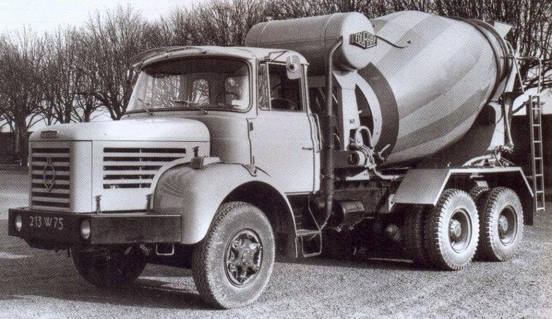 N°05 - Berliet PMH12 6X4 porte malaxeur   Gaille10