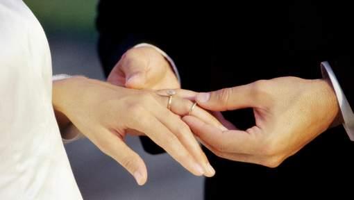Les hommes se remarient plus rapidement que les femmes Media331