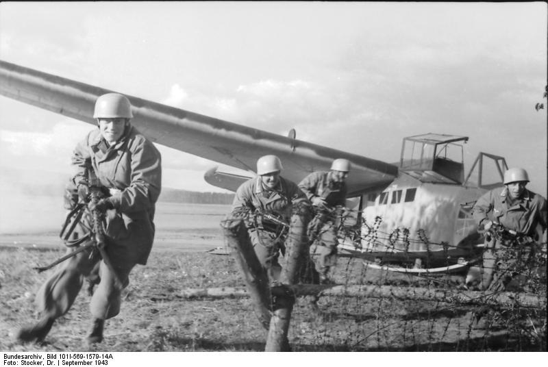 Lastensegler DFS-230 A1.  Bronco au 1/72. Ende. Bundes11