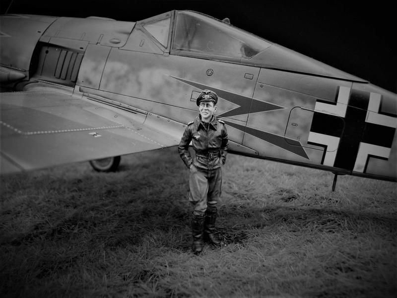 fw 190 A5 hasegawa  au 32.....  fini ...!!!! - Page 3 Noir_e10