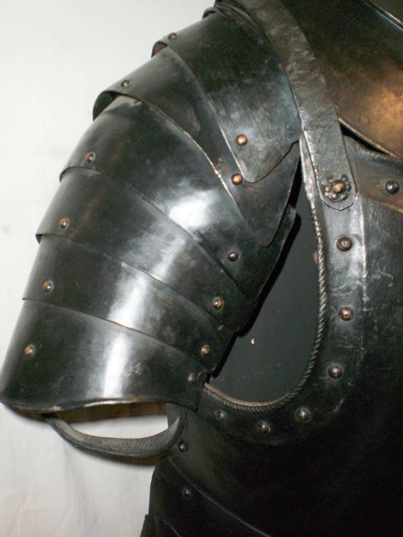 DEMI-ARMURE de fantassin XVII° 1510