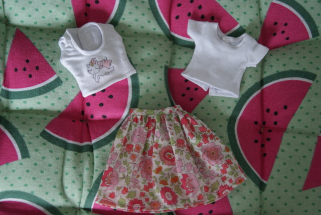 [Ventes] Jupe, pull, t-shirts - taille Pullip/Dal/Blythe Dsc09114