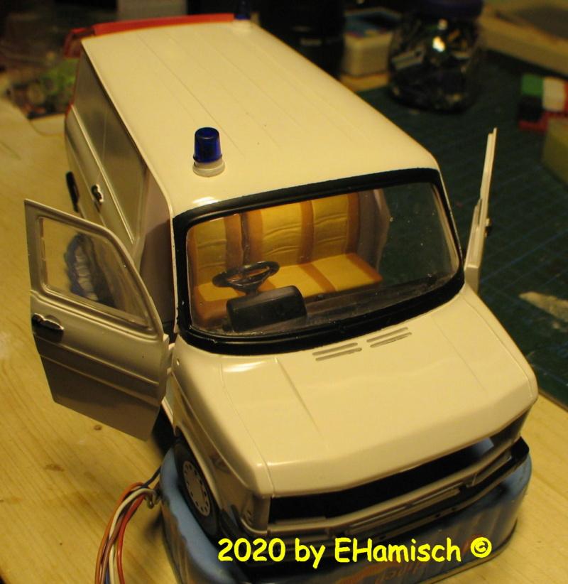 ITALERI 3657 Ford Transit UK Police 2812_110