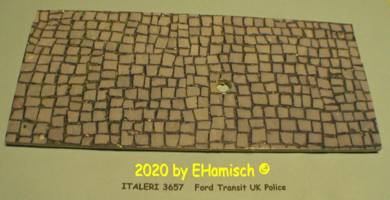 ITALERI 3657 Ford Transit UK Police 2912_113