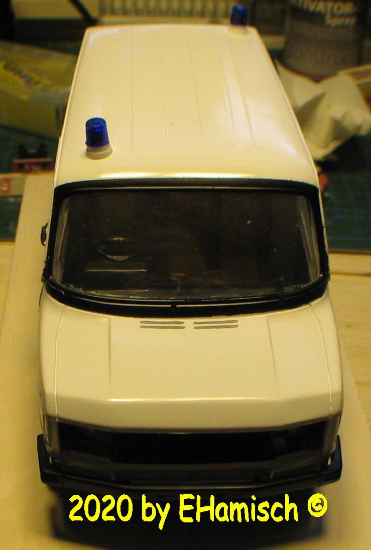 ITALERI 3657 Ford Transit UK Police 2912_210