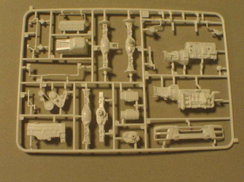 Revell 07452 HLF 20 VARUS 4x4 MAN TGM Schlingmann Img_0154