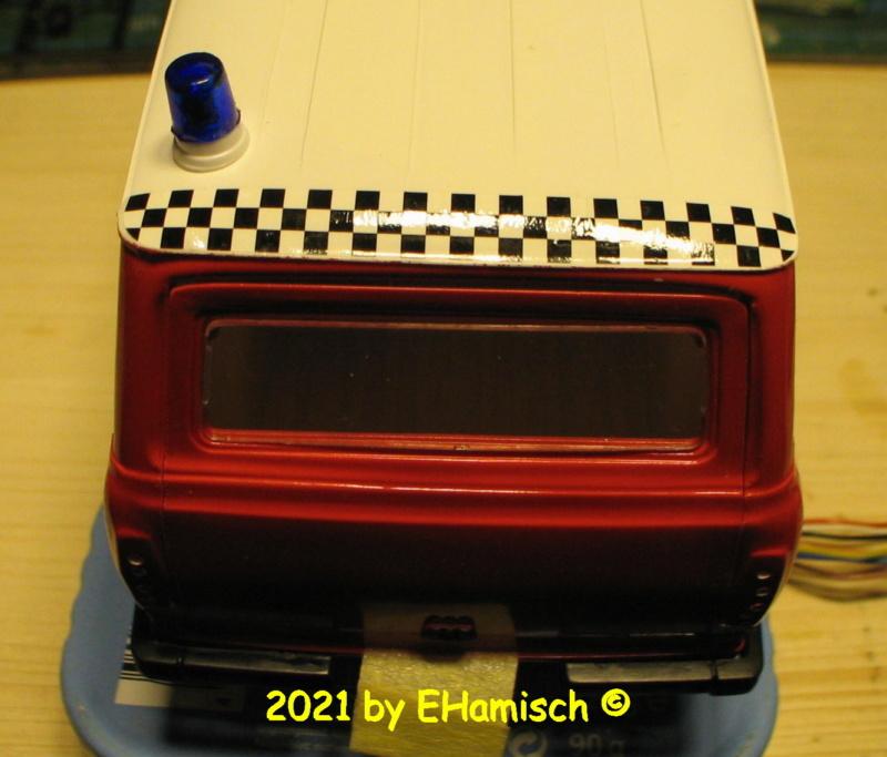 ITALERI 3657 Ford Transit UK Police Img_0215