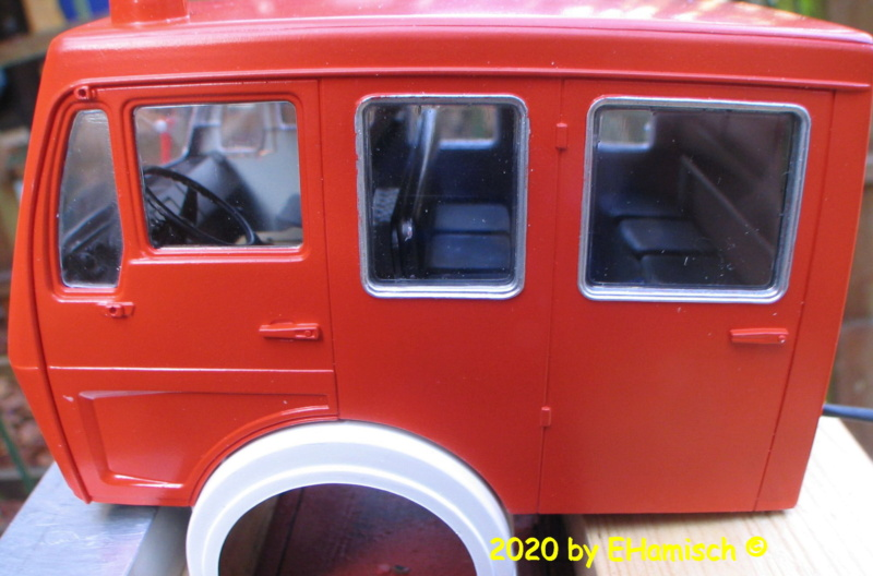Revell 07655 Mercedes-Benz 1017 LF 16 Img_9426