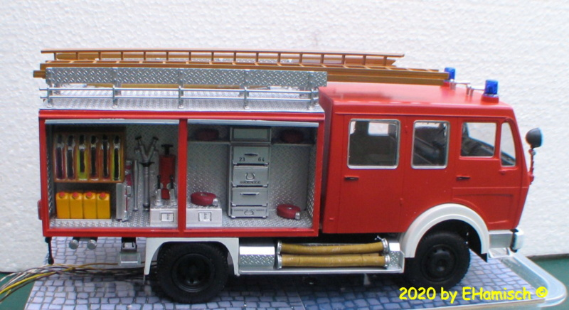 Revell 07655 Mercedes-Benz 1017 LF 16 Img_9523